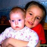 дівчинка з братиком