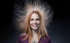 електризуються волосся
