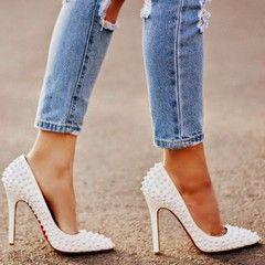 Як навчитися ходити на каблуках впевнено і красиво?