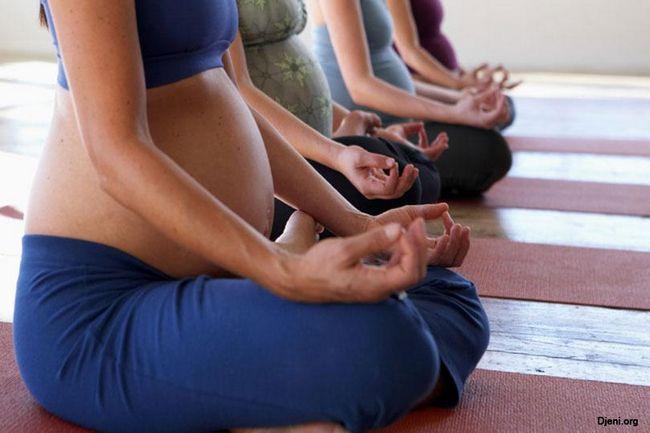 Навчання правильному диханню під час родов.jpg