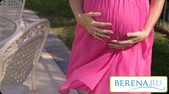 З сурогатним материнством пов`язано чимало нюансів: наприклад, психологічний фактор, який заважає жінці віддати після народження фактично чужого малюка