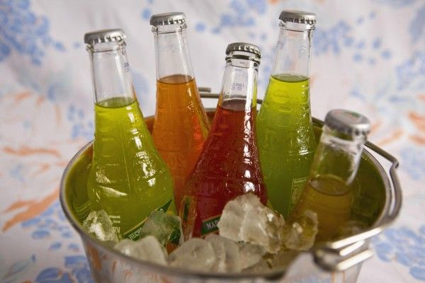 Чи можна вагітним пити газовані напої? Чим їх замінити?