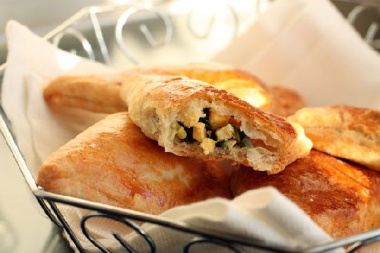 Пиріг з листкового тіста з начинкою