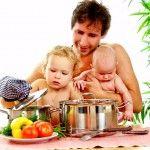 Харчування дитини в 9-10 місяців: режим харчування, добовий набір продуктів і зразкове меню