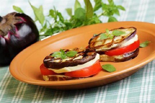 Рецепти бутербродів, Бутерброд з синенькими та моцарелою