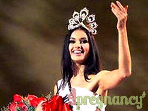 протягом 4 років Оксана Федорова стала переможницею найпрестижніших конкурсів краси не тільки в Росії, але і в Світі
