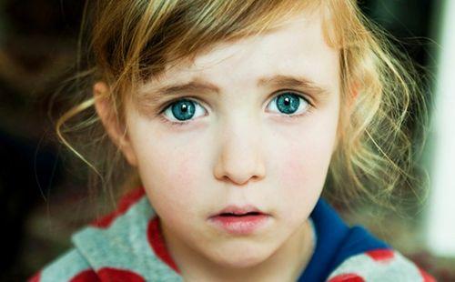 Жах в дитячих блакитних очах