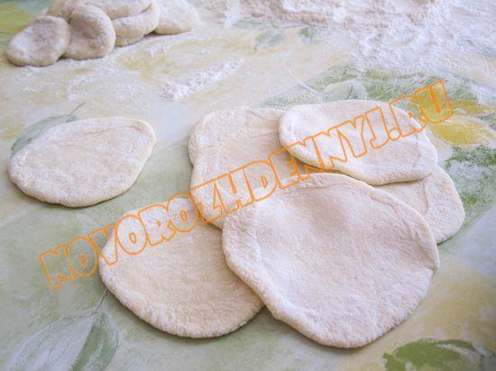 тісто на вареники з полуницею